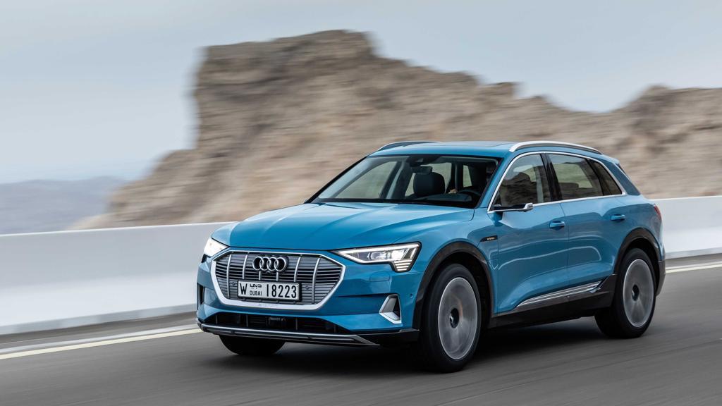 Audi e-tron elettrica: l'abbiamo vista in anteprima
